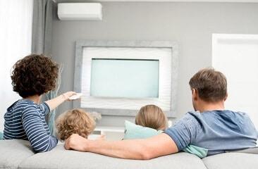 התקנת טלוויזיה בסלון ברמה הגבוהה ביותר